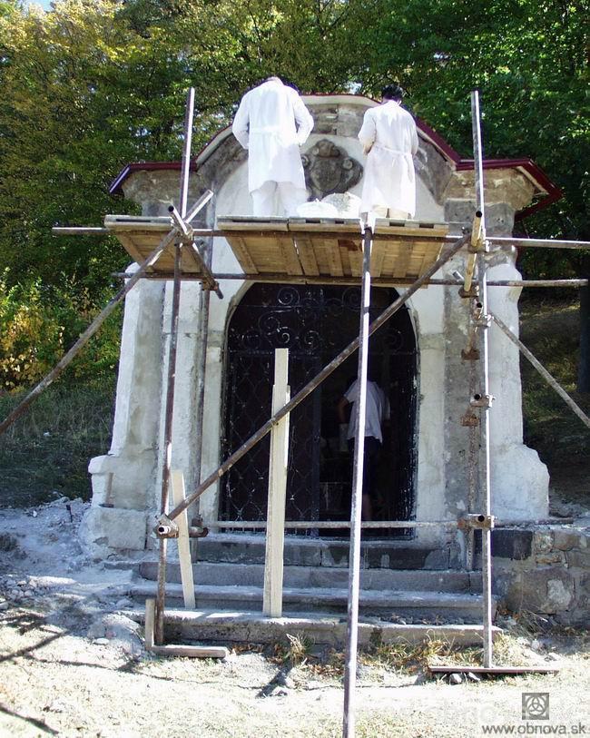 9-2003kalvarka004