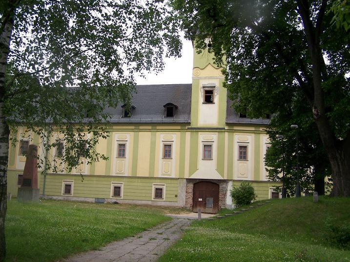Ranobarokový kaštiel v Dubnici nad Váhom