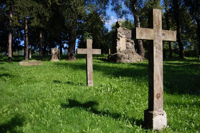 Vojenský cintorín Medzilaborce (kvhbeskydy.sk)