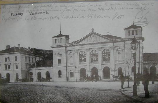 Prijímacia budova, 2. pol. 19. stor. (rail.sk, z archivu Múzea Dopravy v BA)