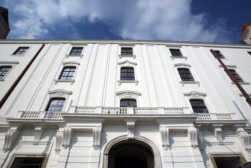 Zrekonštruovaný balkón Hradného paláca (bratislava-hrad.sk)