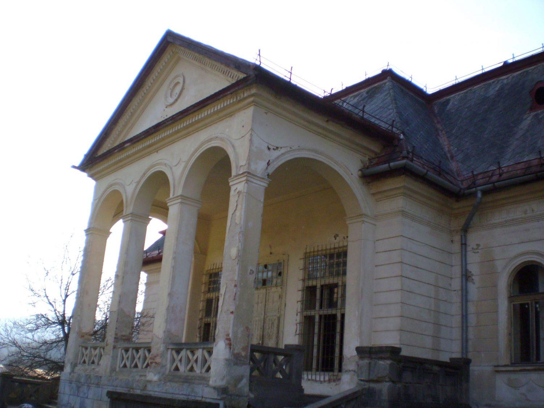 Kaštieľ hlavný vchod