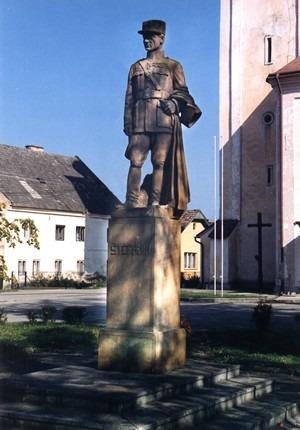 Socha M. R. Štefánika v Predmieri (geocaching.sk)