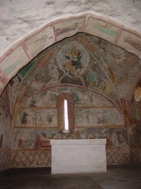Interiér kostola v Ludrovej (liptovskemuzeum.sk)