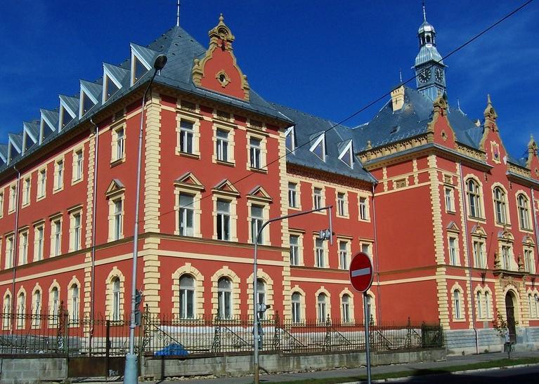 Budova Krajského súdu v Banskej Bystrici (skyscrapercity.com)