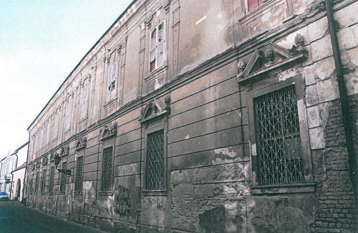 Stav pred reštaurovaním (abu.sk)