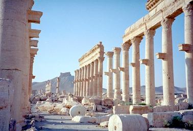 Palmyra, ostreľované rímske ruiny, zdroj: Global Heritage Fund