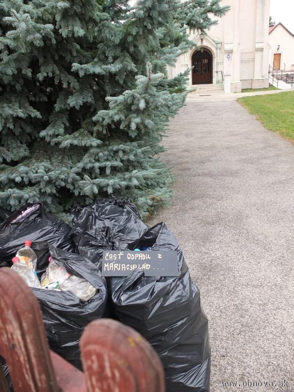 Časť vyzbieraného odpadu z Mariacsaládu
