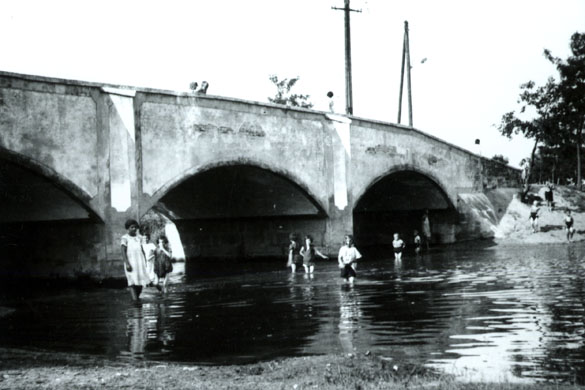 Most do pevnosti, dobová fotografia, zdroj: www.leopoldov.sk