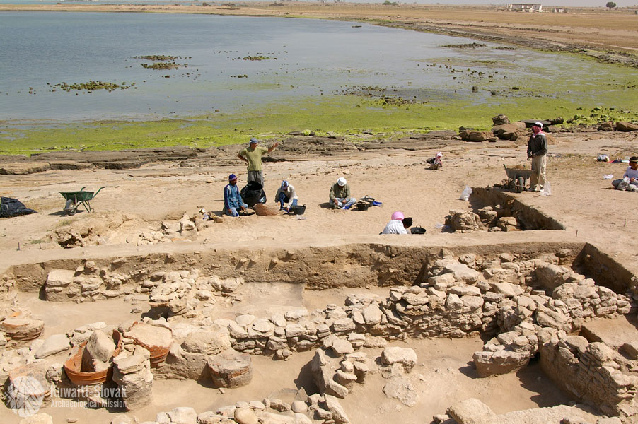 Slovenskí archeológovia na lokalite Al-Khidr, zdroj: kuwaitarchaeology.org