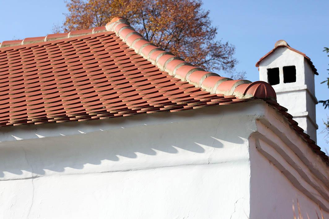 Strecha roľnícko-remeselníckeho domu v Budmericiach